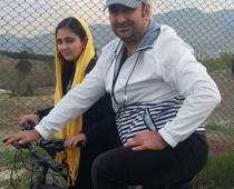 دوچرخه سواری مهران احمدی و دخترش (عکس)