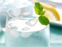 عدم نوشیدن آب کافی یک از علائم ضعف سیستم دفاعی بدن است