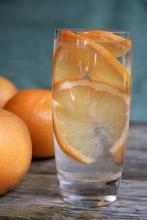 تغییر کوچک در آب لیمو و آب که می تواند به کاهش وزنتان کمک کند