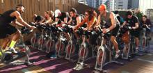 7 دلیل برای شرکت در کلاس های دوچرخه ثابت