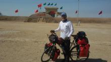 رزمندهای که 1500 کیلومتر به عشق شهدای کربلای 4 رکاب زد